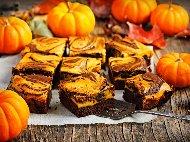 Сладкиш брауни с тиква и тъмен какаов блат